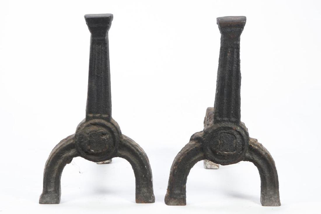 (17th c or Earlier) PUDDLE CAST ANDIRONS - 4