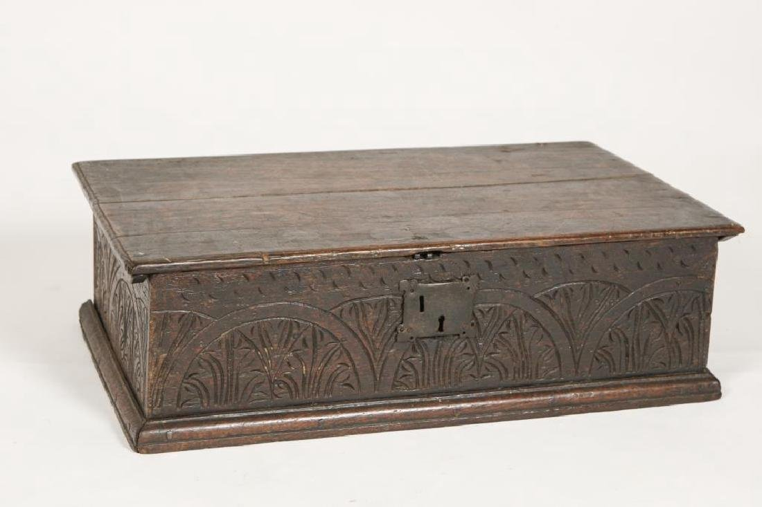 (17th / 18th c) CHIP CARVED OAK BIBLE BOX