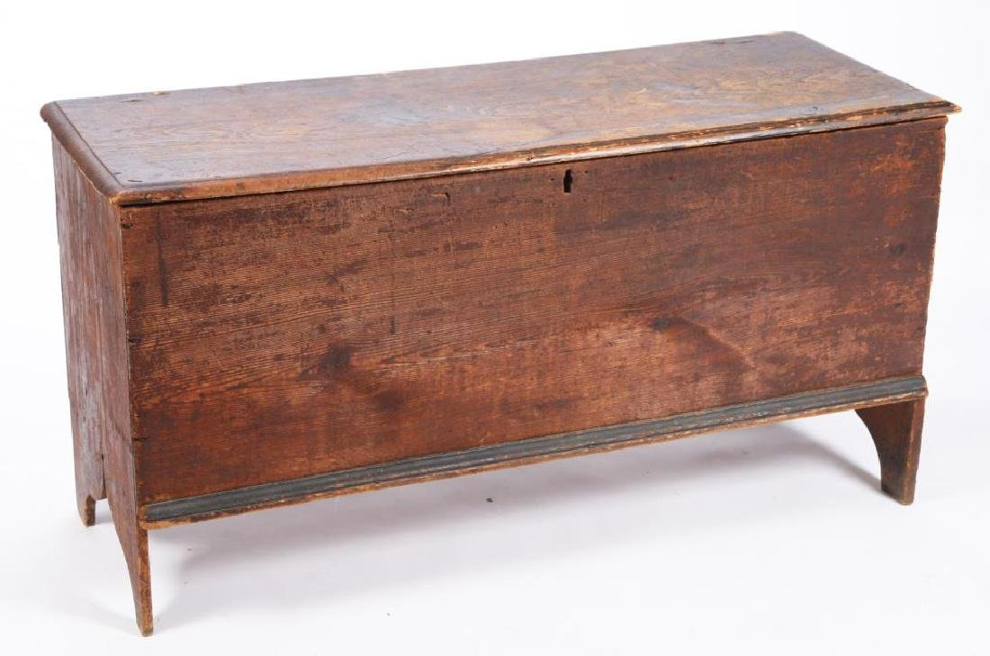 NEW ENGLAND SIX BOARD CHEST