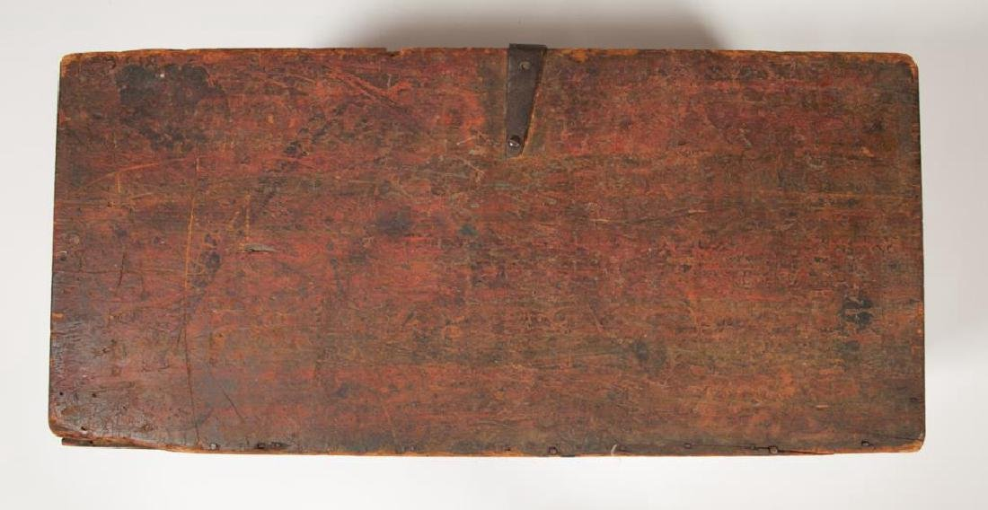(19th c) WOODEN CHEST in RED PAINT - 4