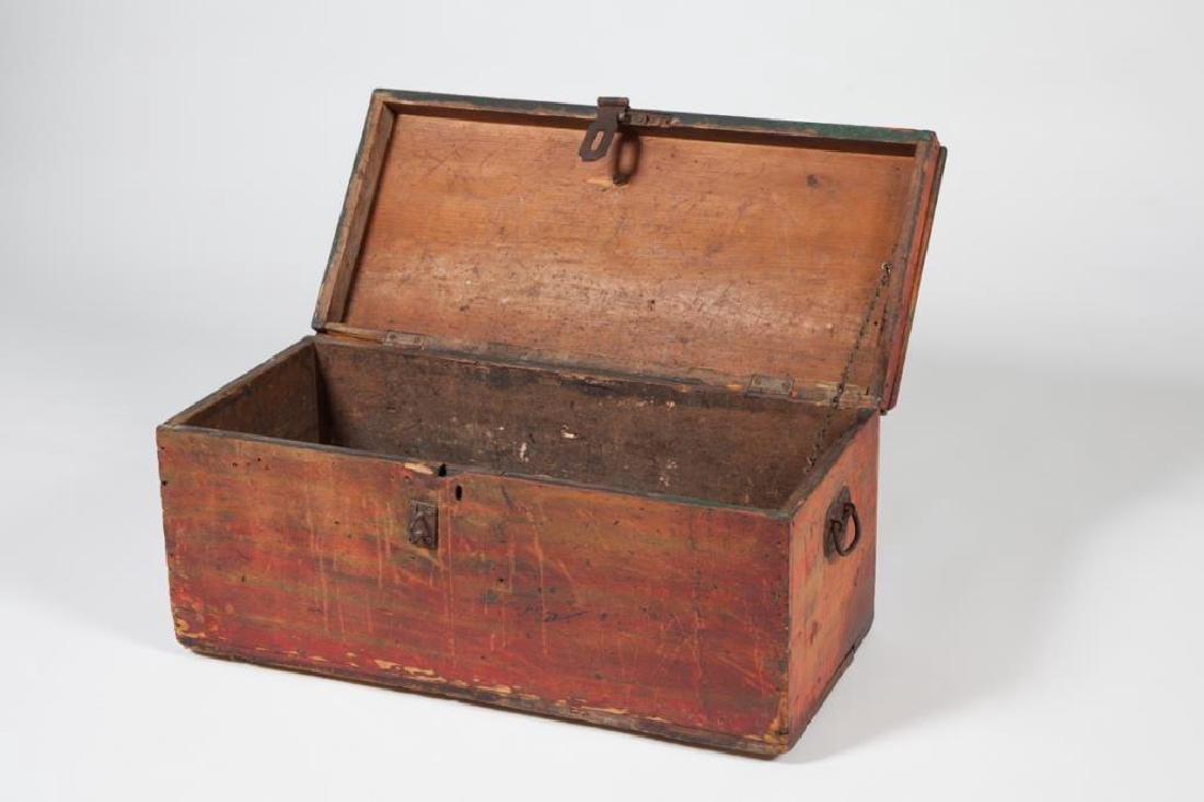 (19th c) WOODEN CHEST in RED PAINT - 7