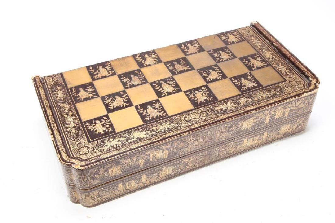 ANTIQUE CHINESE EXPORT CHESS SET - 6