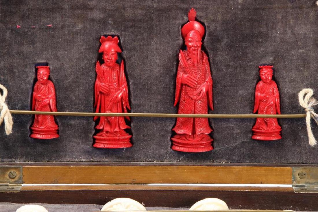 ANTIQUE CHINESE EXPORT CHESS SET - 9