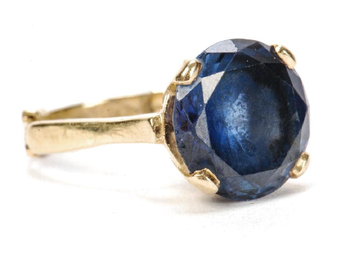 14k GOLD SYNTHETIC SAPPHIRE COCKTAIL RING