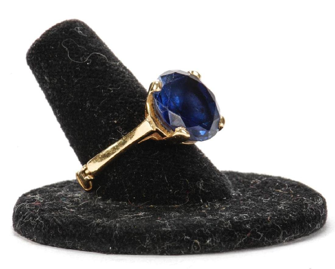 14k GOLD SYNTHETIC SAPPHIRE COCKTAIL RING - 3