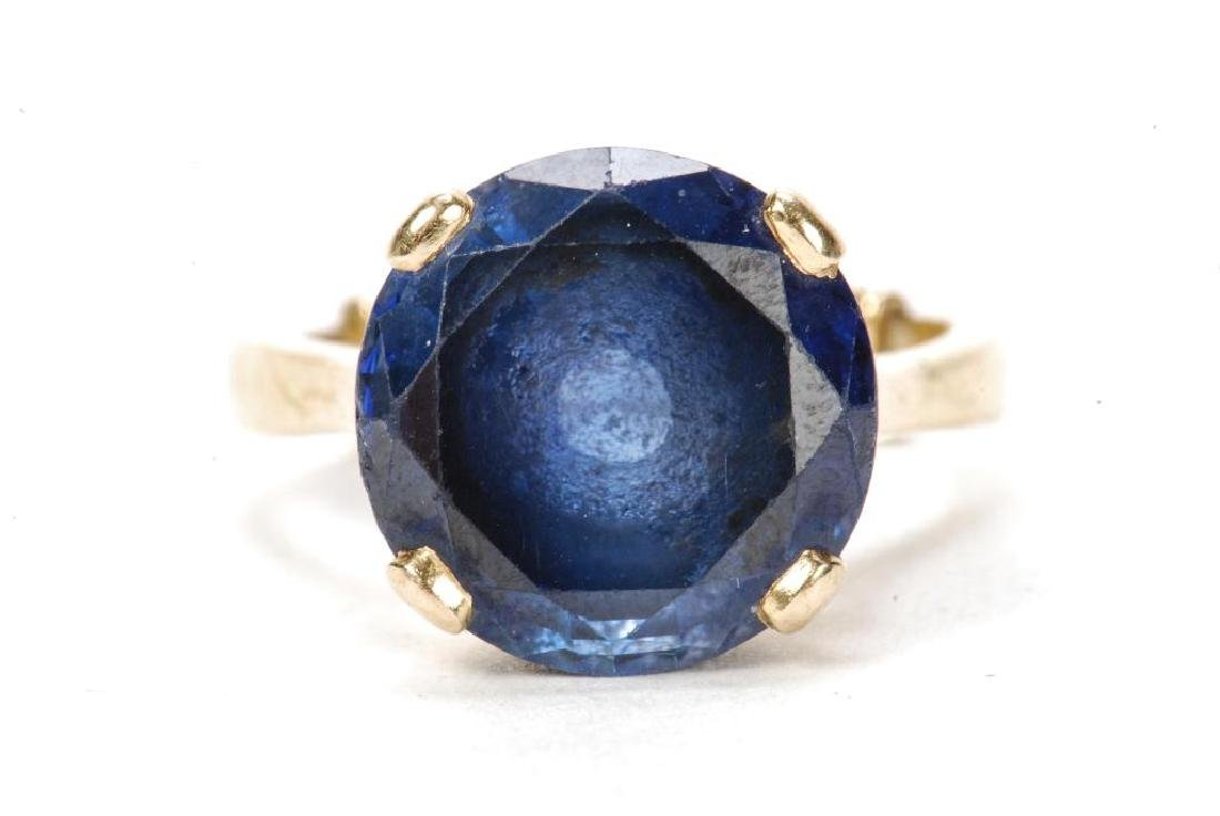 14k GOLD SYNTHETIC SAPPHIRE COCKTAIL RING - 5