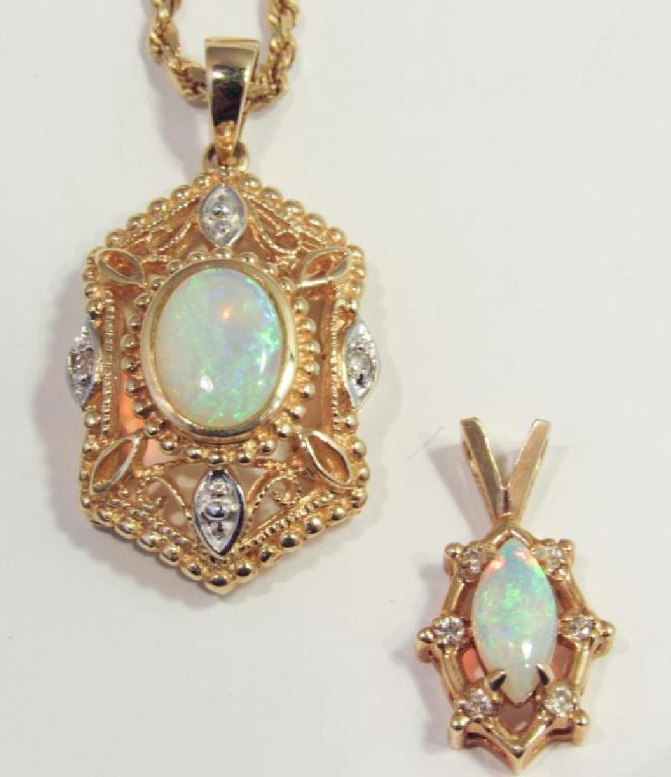 14K GOLD OPAL PENDANT ON CHAIN