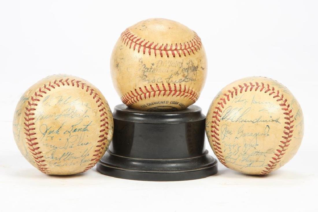 (3) BASEBALLS AUTOGRAPHED by MAJOR LEAGUE PLAYERS
