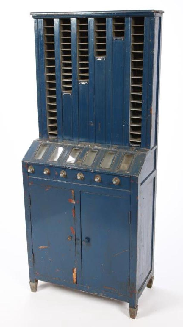 EARLY 1920'S CIGARETTE VENDING MACHINE