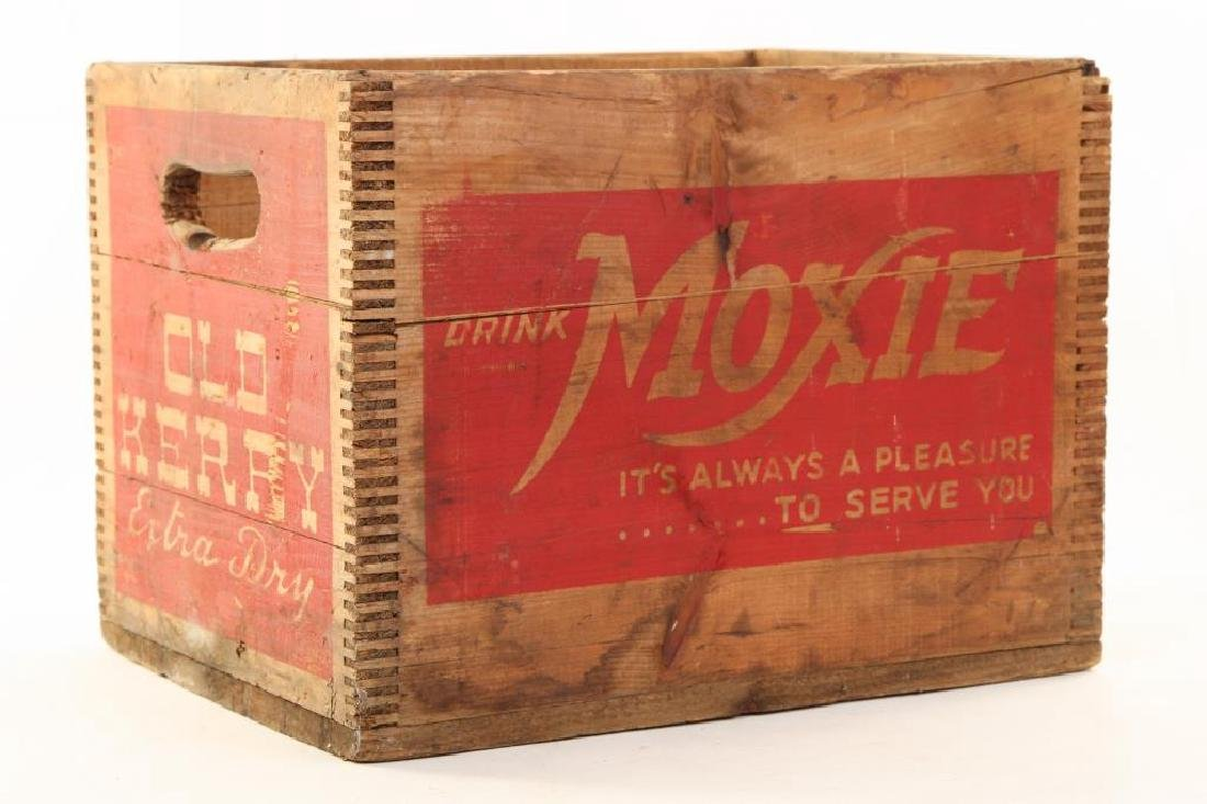 EARLY WOODEN MOXIE / OLD KERRY EXTRA DRY CRATE
