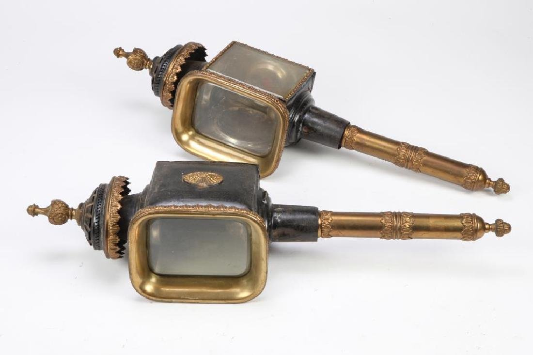 PAIR OF FANCIFUL CARRIAGE LAMPS
