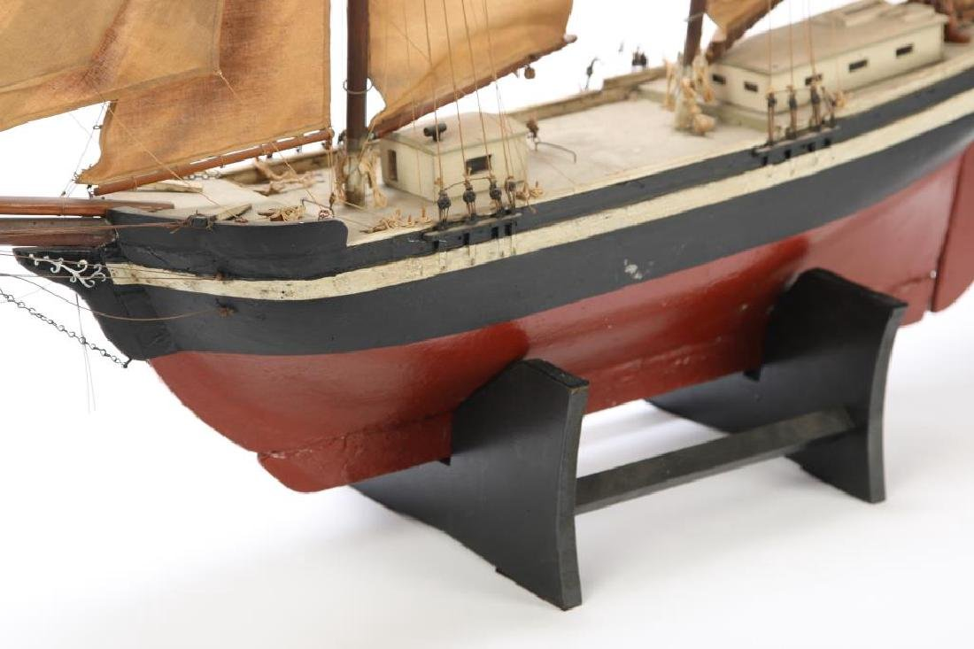 WONDERFUL ANTIQUE MODEL OF A SCHOONER - 4