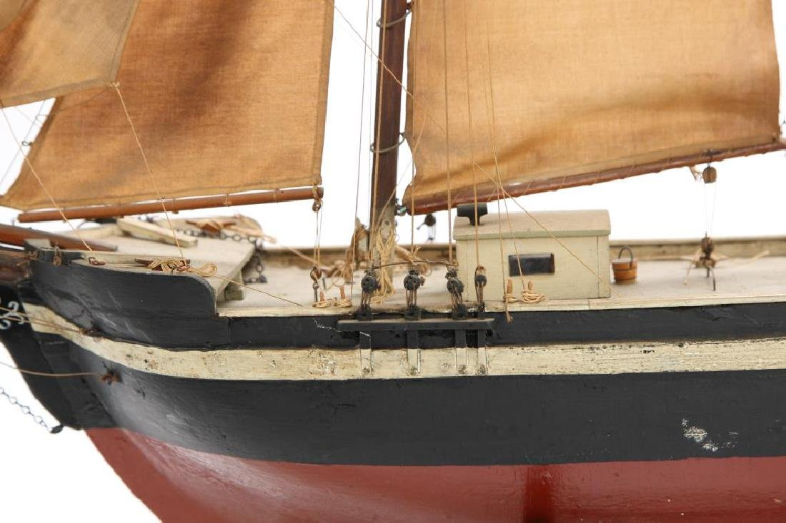 WONDERFUL ANTIQUE MODEL OF A SCHOONER - 5