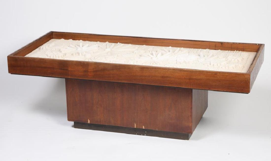 MID-CENTURY MODERN COFFEE TABLE Top set with cast sand - 6