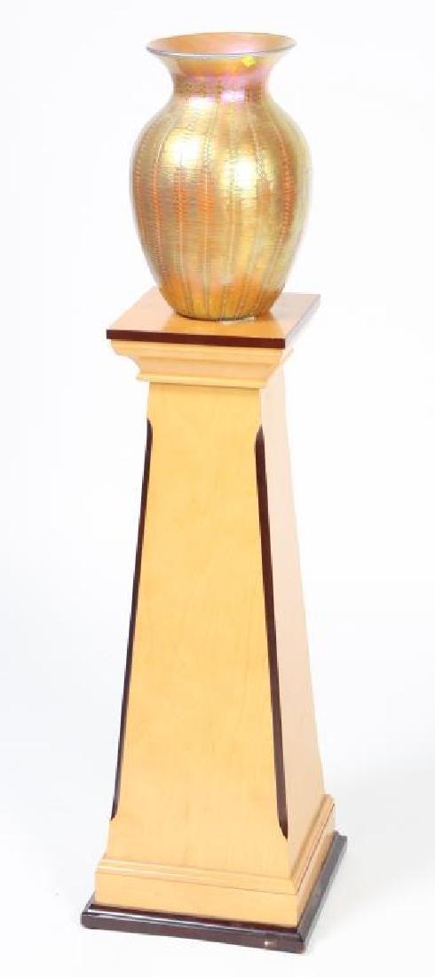 LUNDBURG STUDIOS IRIDESCENT ART GLASS VASE 20 inches - 6