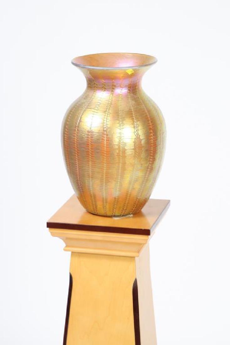 LUNDBURG STUDIOS IRIDESCENT ART GLASS VASE 20 inches - 7