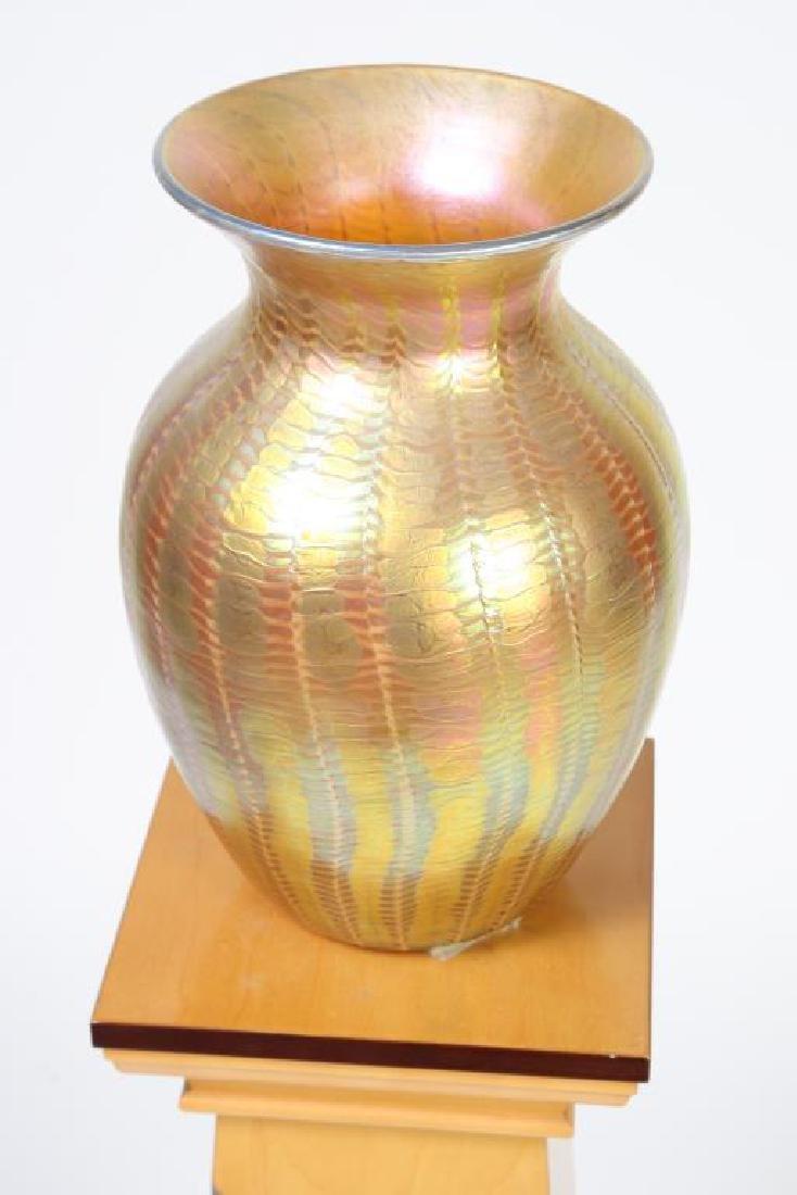 LUNDBURG STUDIOS IRIDESCENT ART GLASS VASE 20 inches - 9