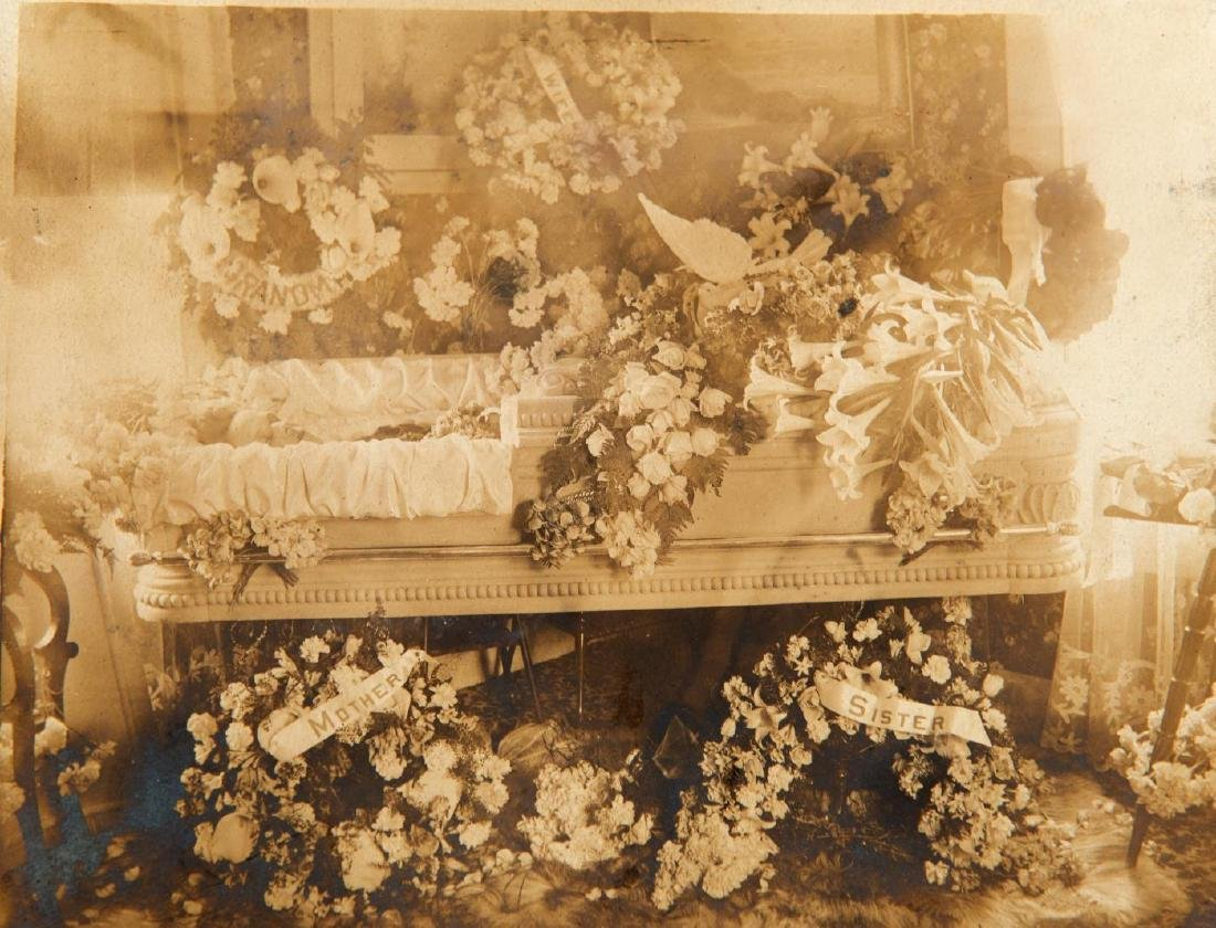 LOT OF (19th and Early 20th c) PHOTOGRAPHS - 3