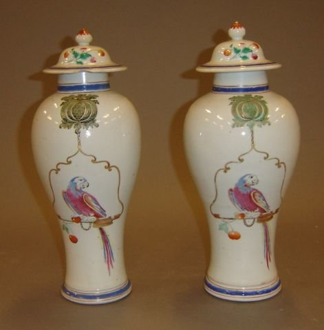 480: Pair of 18th century Chinese export porcelain cove