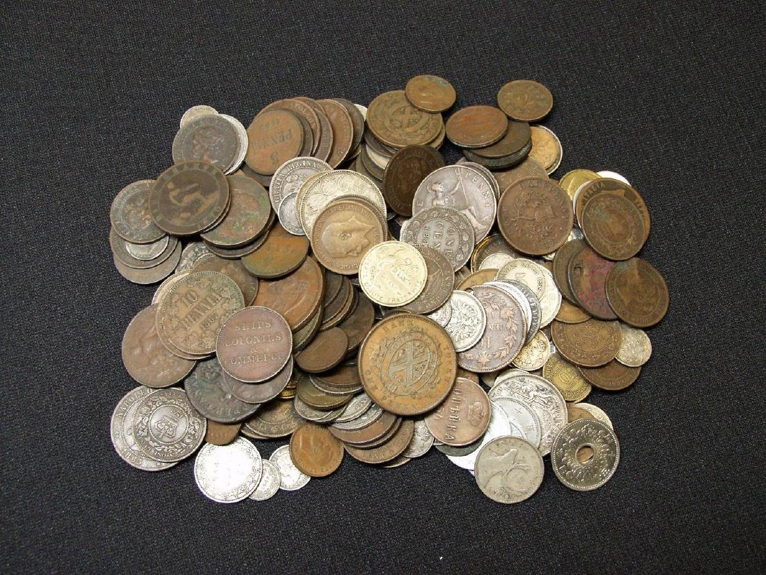 MIXED LOT OF FOREIGN COINS