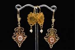 (2) PAIR OF VINTAGE 14k GOLD EARRINGS