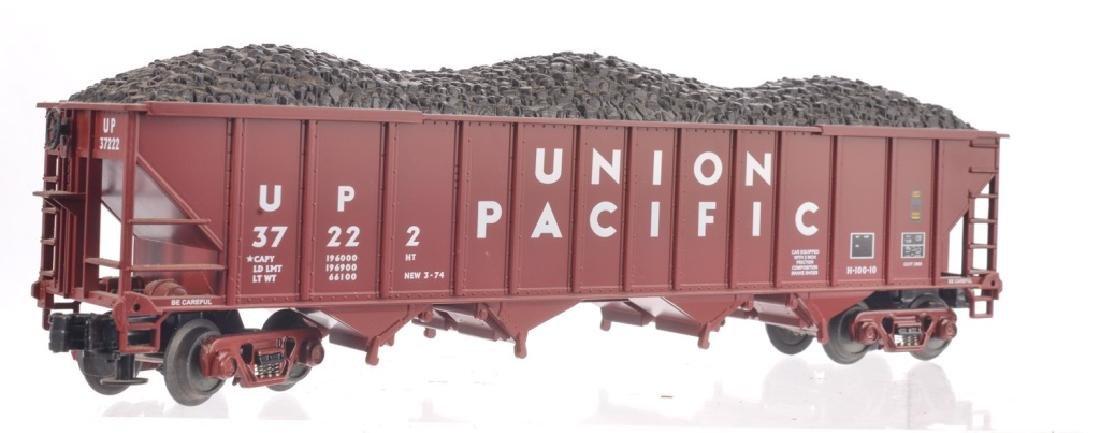 LIONEL O-GAUGE UNION PACIFIC TRAIN SET - 2