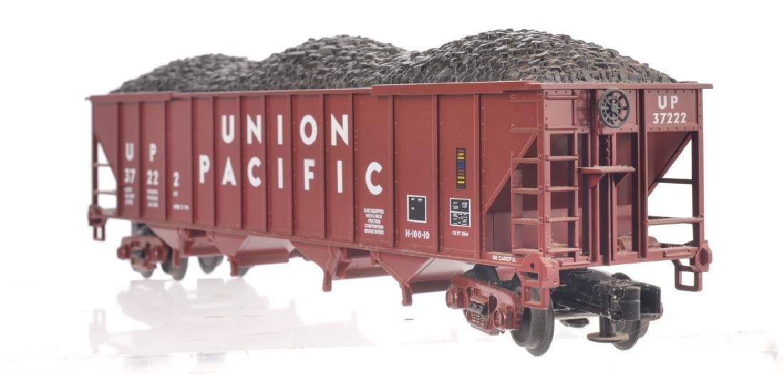 LIONEL O-GAUGE UNION PACIFIC TRAIN SET - 3