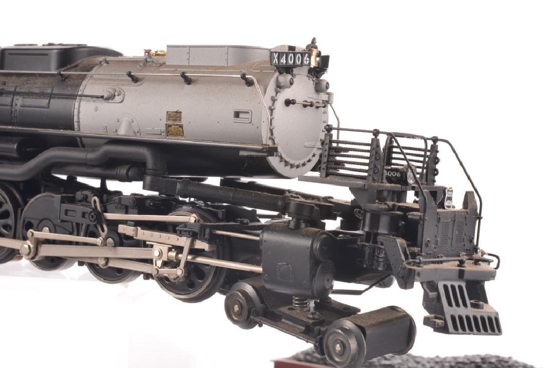 LIONEL O-GAUGE UNION PACIFIC TRAIN SET - 7