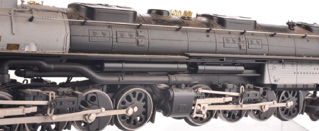 LIONEL O-GAUGE UNION PACIFIC TRAIN SET - 9
