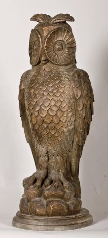19: 19th/20th century country carved pine owl