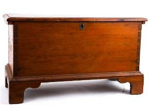 (18th / 19th c) PINE DOVETAILED CHEST