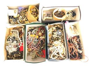 LARGE COLLECTION OF ESTATE COSTUME JEWELRY