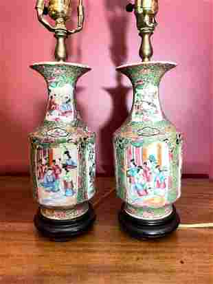 PAIR OF CHINESE ROSE MEDALLION LAMPS