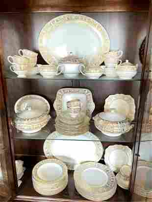 WEDGWOOD FLORENTINE CHINA SERVICE FOR TEN