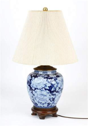 DECORATIVE GINGER JAR STYLE PORCELAIN TABLE LAMP