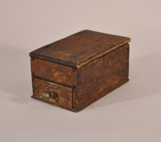 14: 18th century primitive box with carved pin wheel de