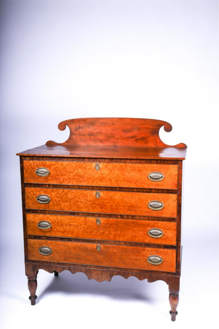 NEW ENGLAND COUNTRY SHERATON CHEST OF DRAWERS