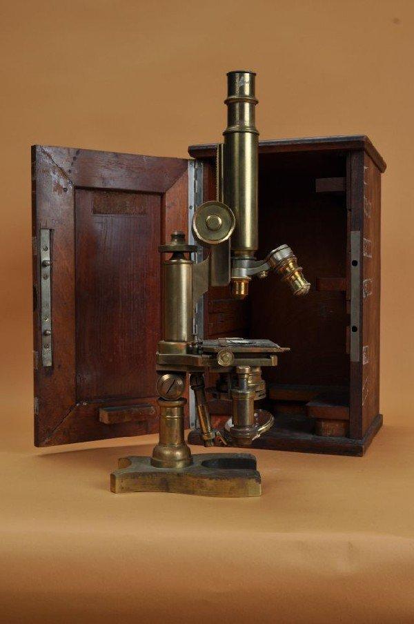 405: 19th C Brass opticians scope