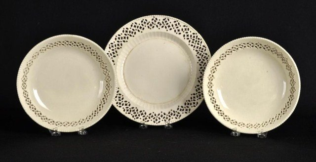 45: Leeds reticulated creamware pair of bowls and