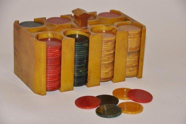 107: Vintage set of bakelite poker chips