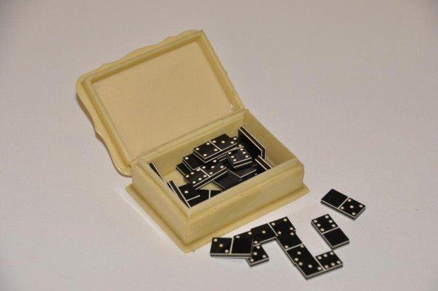 108: Miniature set of twenty eight dominoes