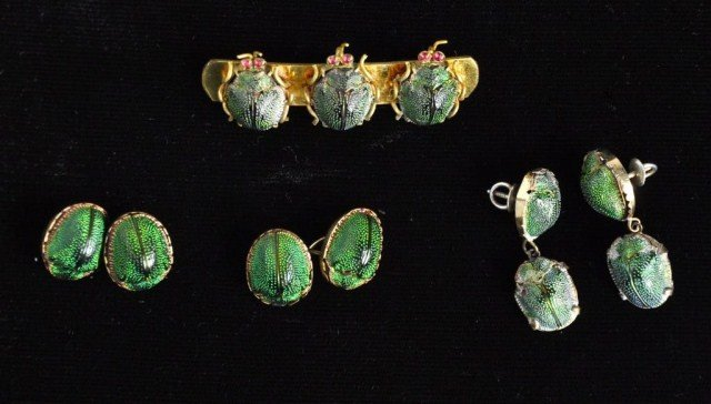 232: 14k gold scarab cufflinks with earrings and pin