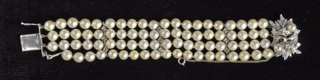 240: Four strand cultured pearl bracelet
