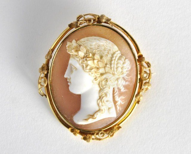 241: Large Victorian shell cameo