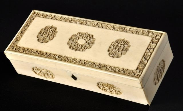 22: Chinese export ivory box, Qing dynasty