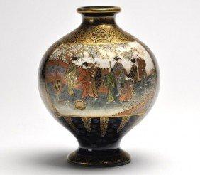 Very Fine Satsuma Bulbous Form Vase, Meiji Period