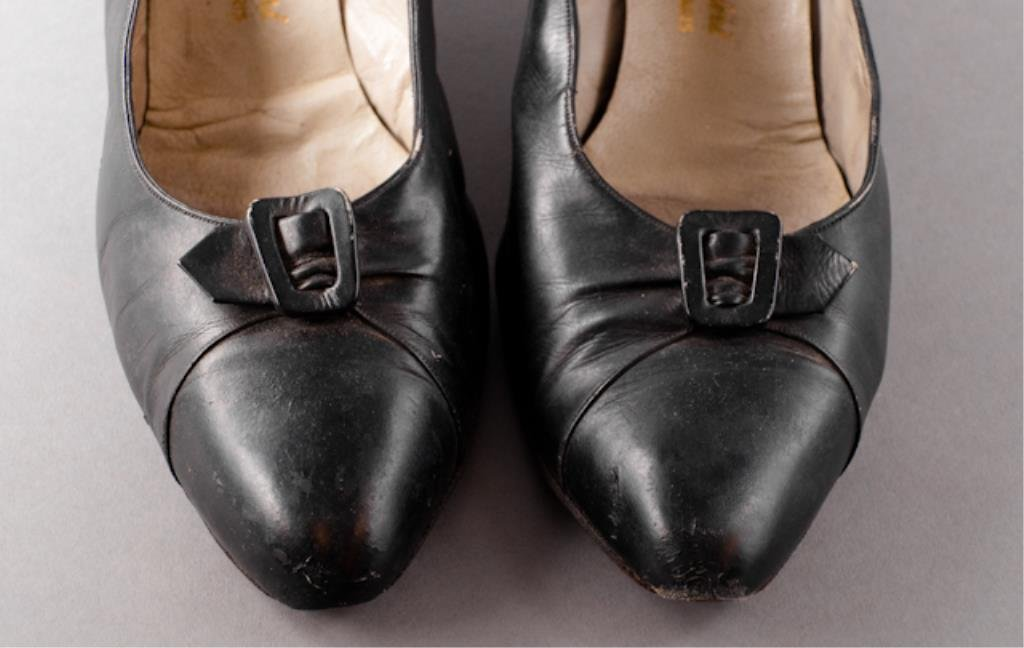 Pair of Jackie Kennedy's Mancini Shoes - 2
