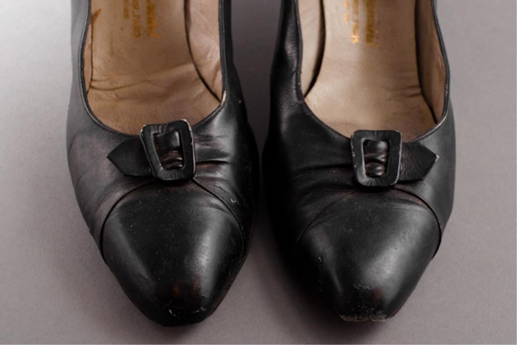 Pair of Jackie Kennedy's Mancini Shoes - 3
