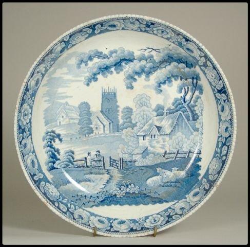 654: A blue staffordshire transfer decoarted round dish