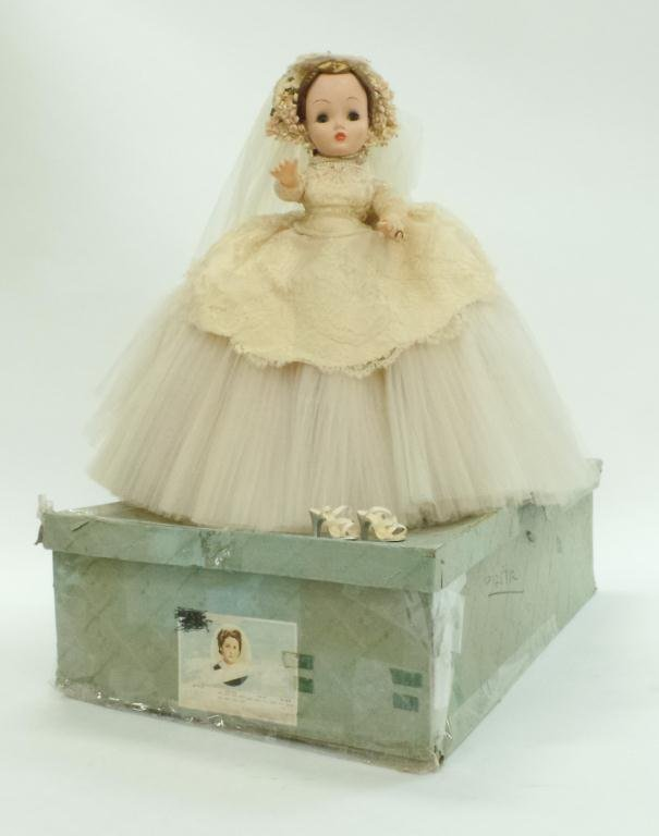 Rare 1955 Madame Alexander Lucille Ball Bride Doll